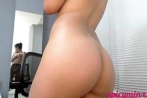 Pretty Little Latina