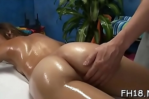 Hot babe sucking off unfathomed her rubber