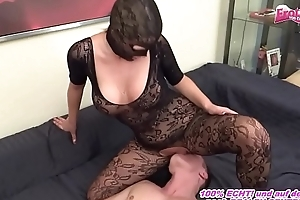 Fett Arsch Hausfrau at hand Nylongs macht facesitting bei jungem Kerl
