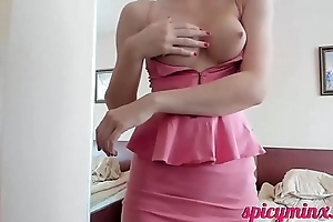 Young Babe Piping hot Left-hand Pussy