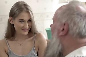 Teen beauty vs old old man - tiffany tatum and albert