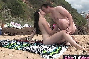 Cutie fucking a wean away from at the beach
