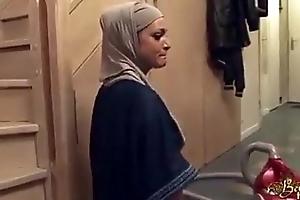 Hijabi namby-pamby join in matrimony fucked apt into an asshole