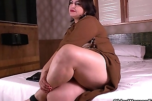 Latina mommys acquire wicked in nylon hose
